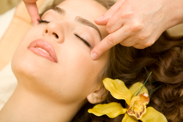 Prevent Wrinkles With Face Massage