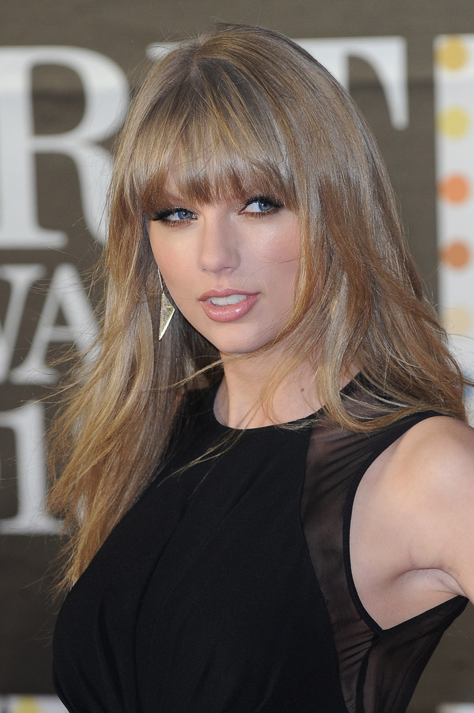 Pictures Taylor Swift S Hair Style Evolution Taylor Swift Long Straight Hair