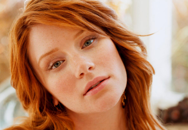 10 Beautiful Celebrity Redheads