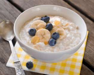 Oatmeal With Blueberries And Bananas