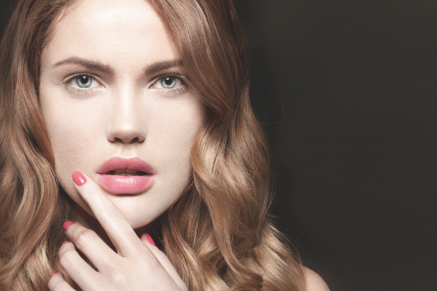 Summer Trend in MakeUp for Pale Skin