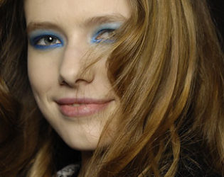 Blue Eye Makeup (2)