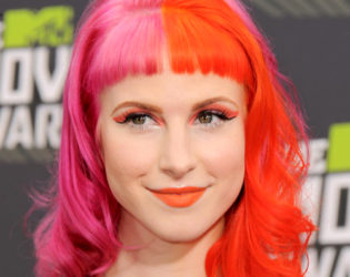 Hayley Williams With Pink Hair Color