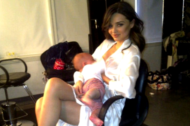 10 Celebrities Who Breastfeed in Public