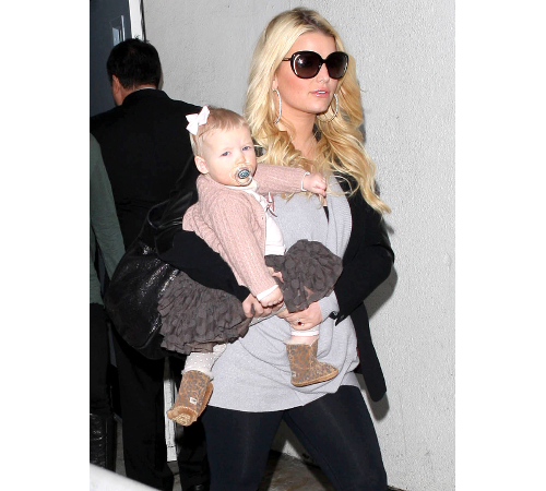 Jessica Simpson Mom Tyle