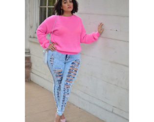 Plus Size Ripped Jeans Outfit