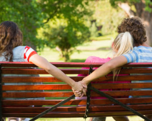 10 Signs You're Dating a Cheater
