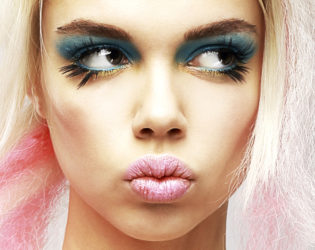Rave Makeup With Blue Eyeshadow