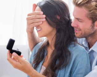 How to Help Him Overcome His Fear of Commitment