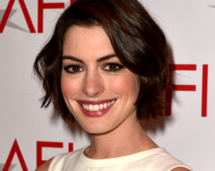 Anne Hathaway Short Bob Haircut