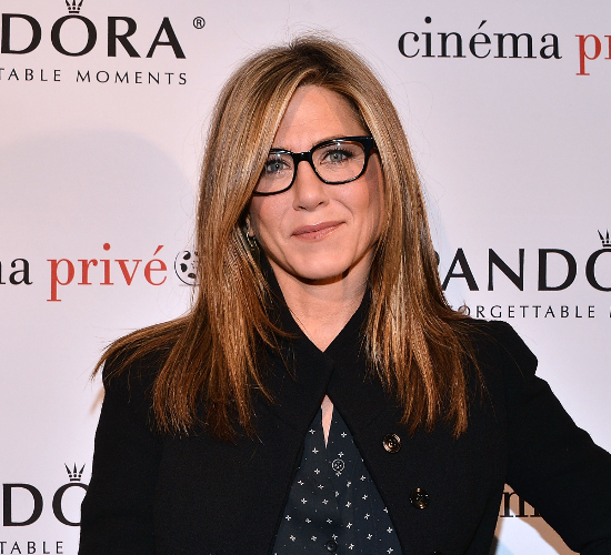 Jennifer Aniston Avoids Social Media