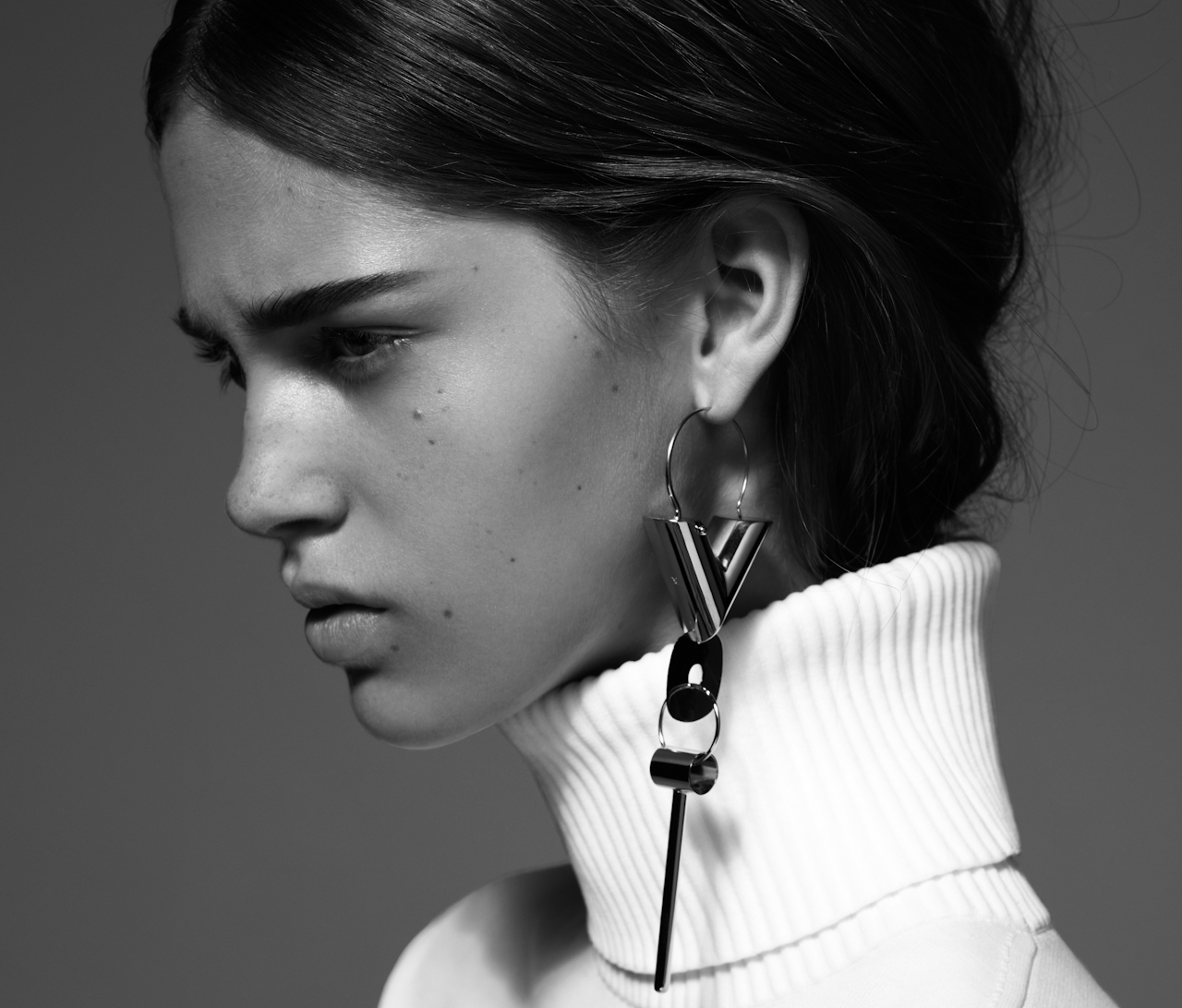 Single Earring Jewelry Trend