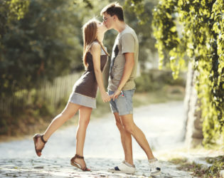 9 Rules for Dating a Friend