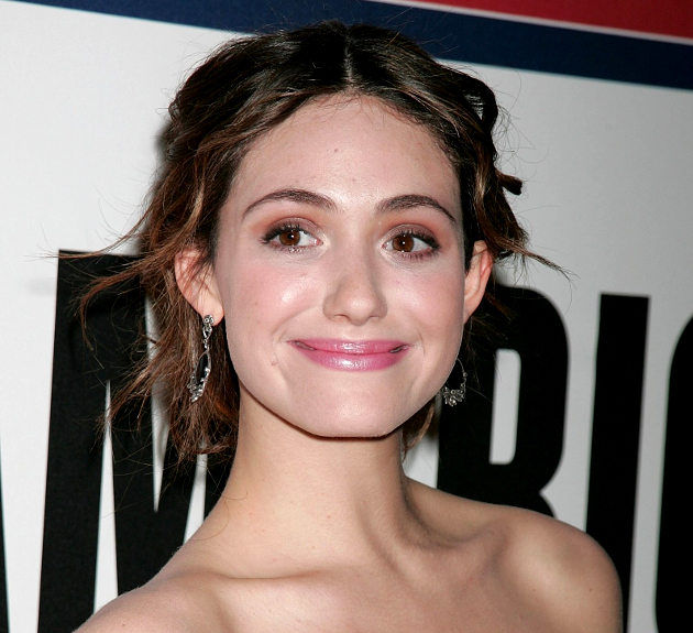 Emmy Rossum Does Her Own Makeup