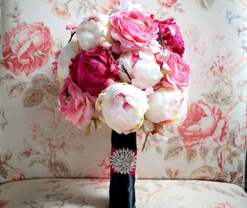 White And Pink Wedding Bouquet Trends