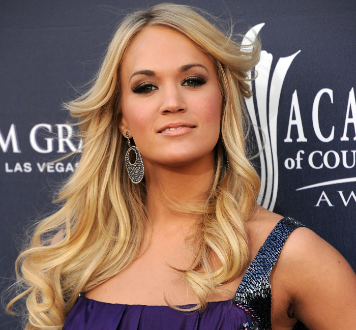 Carrie Underwood Does Her Own Hair