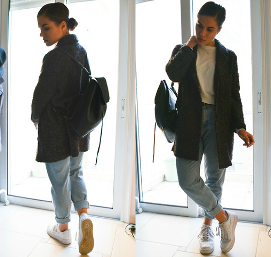 Normcore Look Jeans And Cardigan