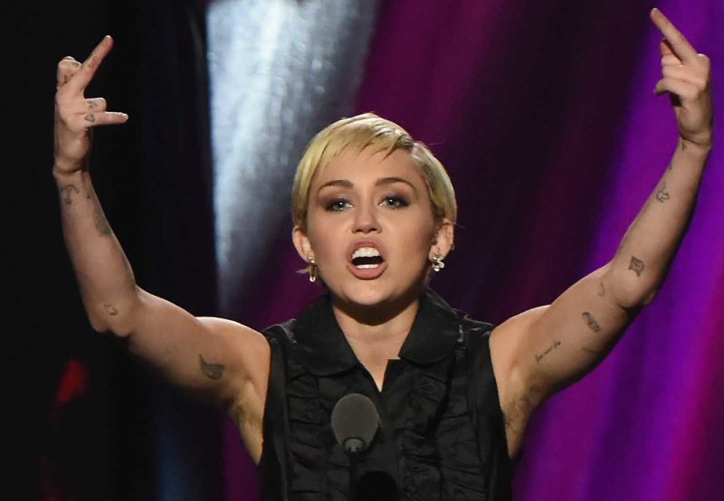 Mmiley Cyrus Armpit Hair