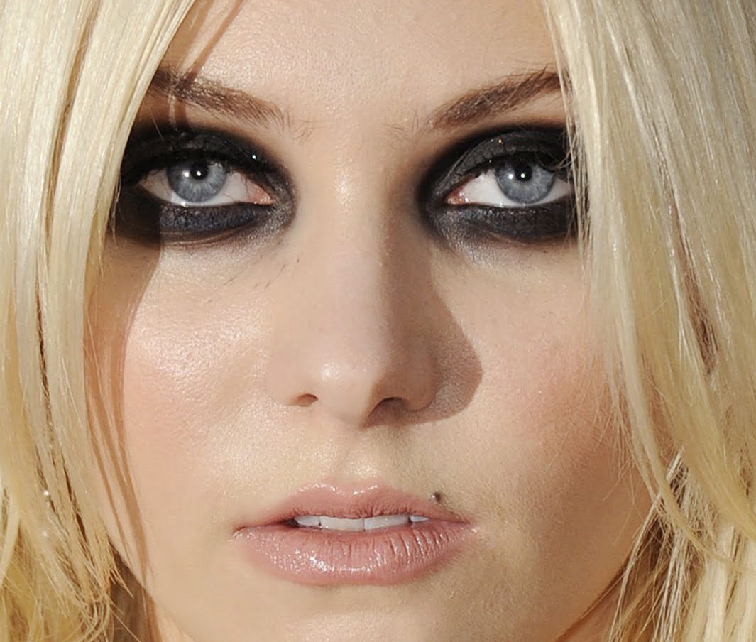 Ugly Smokey Eyes