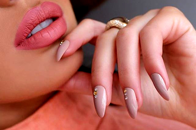 2016 Nail Trends: Coffin Nails, Glitter, Matte Nail Polish and More